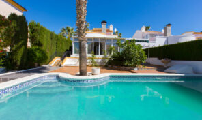REDUCED! Luxury Villa with Private Pool in Playa Flamenca.  Ref:ks2367