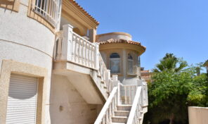 RENT TO BUY!Large 6 Bedrooms Detached Villa in Villamartin.  Ref:mks2410