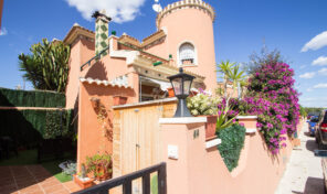 South Facing Detached Villa in Playa Flamenca.  Ref:ks2459