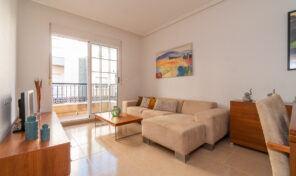 Reduced! Apartment near Beach and Center of Torrevieja.  Ref:ks2439