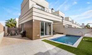Large Modern Villa with Private Pool in Quesada.  Ref:ks2498