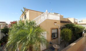 OFFER!!! Quad House with Solarium in Villamartin.  Ref:ks2487