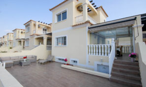 OFFER! Large 5 Bedrooms Detached Villa in Campoamor. Ref:ks2497
