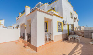 REDUCED!Bargain! Large Semi-Detached Villa in Los Altos.  Ref:ks2517