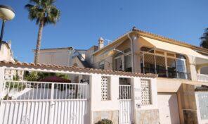 OFFER! Semi-Detached Villa with Garage in Villamartin. Ref:ks2530