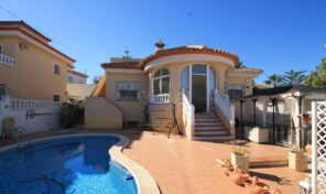 REDUCED! Large Villa with Private Pool in San Miguel de Salinas.  Ref:ks2552