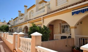Rent to Buy Option. Townhouse in La Zenia. Ref:ks2558