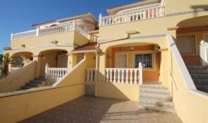 OFFER! 3 Bed Townhouse in Villamartin.  Ref:ks2542