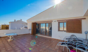 Amazing Penthouse with Large Terrace in Punta Prima.  Ref:ks2611