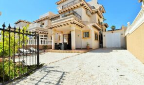 Great Condition Quad Villa in Villamartin.  Ref:ks2657