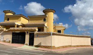 Large Luxury Detached Villa with Private Pool in Playa Flamenca.  Ref:ks2616