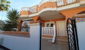 Lovely Townhouse with Communal Pool in Quesada. Ref:ks2656