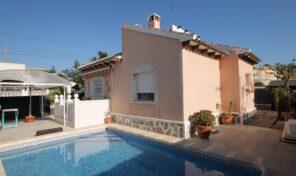 REDUCED! Detached Villa with Private Pool in Villamartin. Ref:ks2641