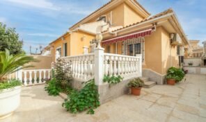 OFFER! Semi-Detached Villa in Los Altos.  Ref:ks2624