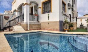 OFFER! Large Semi-Detached Villa with Private Pool in Los Altos. Ref:ks2692