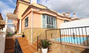 Bargain! Semi- Detached Villa with Private Pool in Villamartin. Ref:mks2699