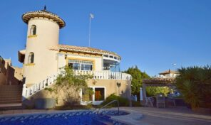 OFFER! Large Detached Villa with Private Pool in Villamartin. Ref:ks2723