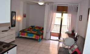 OFFER! Studio with Terrace in Central Torrevieja.  Ref:mks2702