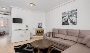 Sold! 4 Bedrooms Townhouse in Villamartin.  Ref:ks2724