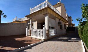 Amazing Condition Semi-Detached Villa in Playa Flamenca. Ref:ks2772