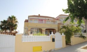 OFFER! 3 Bed Townhouse in Campoverde. Ref:ks2759