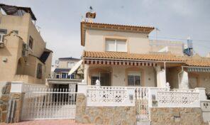 Bargain! Detached Villa with Garage in Villamartin.  Ref:ks2774