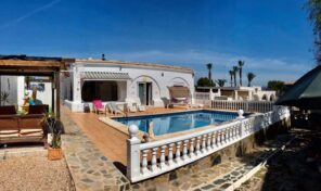 Amazing Villa with Private Pool in Los Balcones. Ref:ks2802