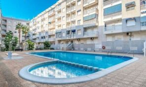 Great 3 bed Apartment with Pool & Garage ion Torrevieja. Ref:2786