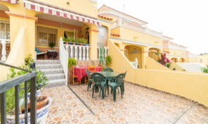 Bargain! Spacious Townhouse with Pool View in Villamartin. Ref:ks2824