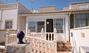 OFFER! Townhouse with Large Solarium in Villamartin. Ref:ks2881