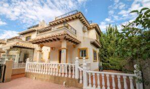 Great Semi -Detached Villa with Pool Views in Villamartin. Ref:ks2893