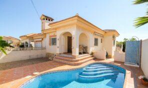 Bargain! Semi Detached Villa with Private Pool in Villamartin. Ref:ks2922