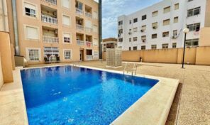 Offer! Apartment with Parking and Pool in Torrevieja. Ref:ks2920
